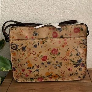 ✅ Patricia Nash Crossbody bag: Prairie Rose 🌹